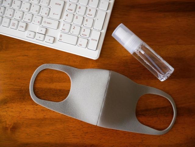 マスクと消毒液