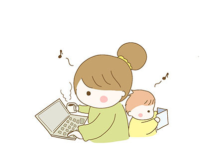 パソコンに向かう母親と遊んでいる子供